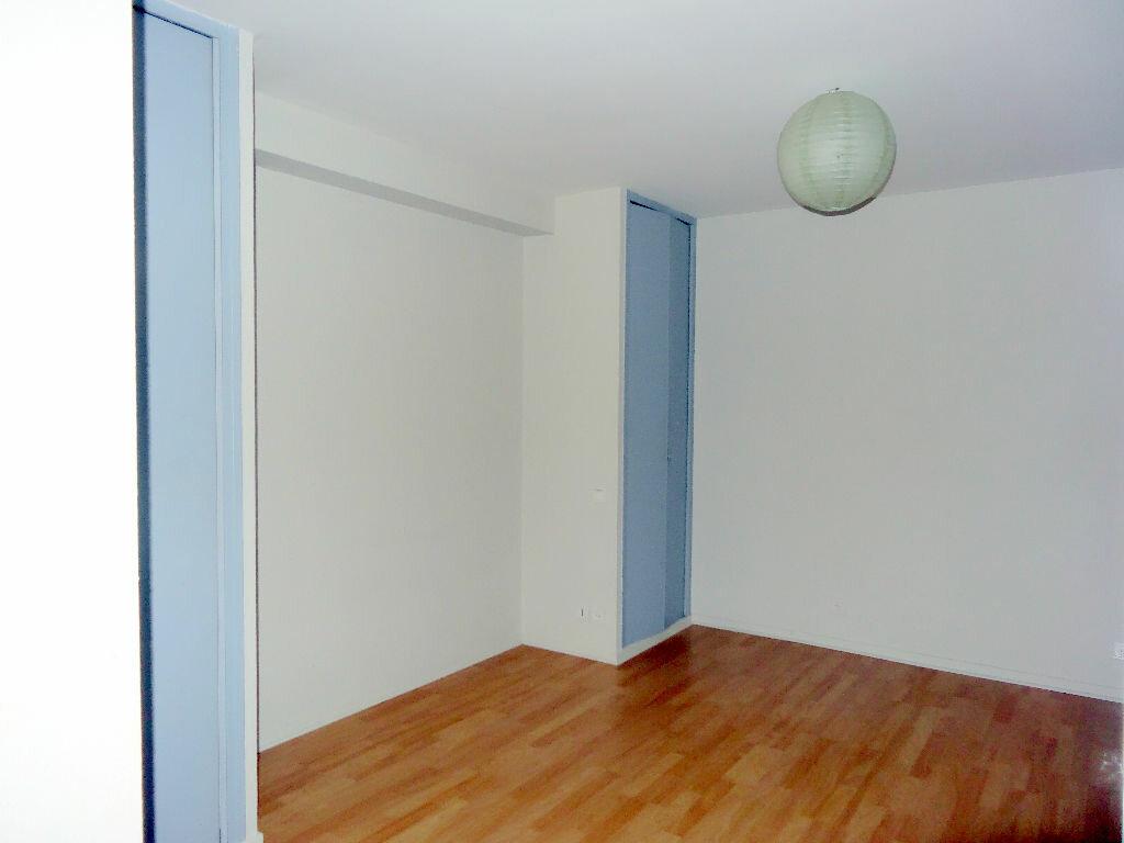 Appartement à louer 3 76m2 à Albi vignette-5