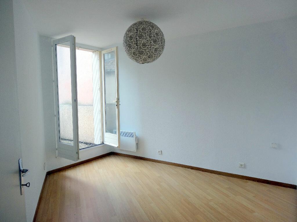 Appartement à louer 3 76m2 à Albi vignette-9