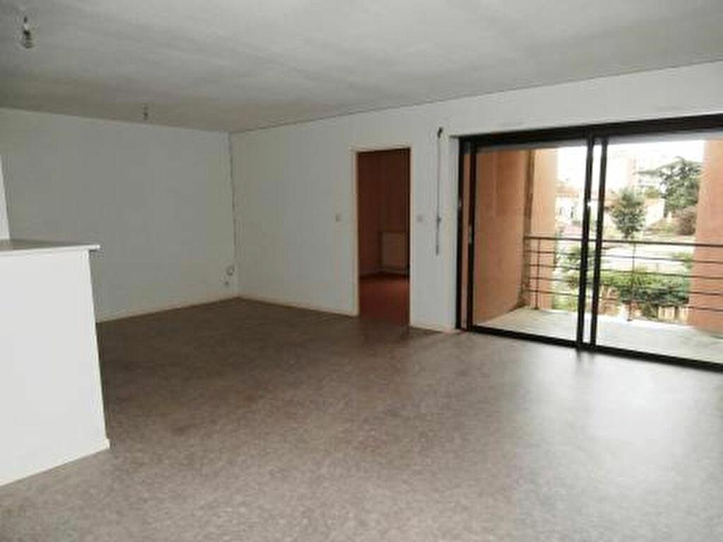Appartement à louer 3 67m2 à Albi vignette-1