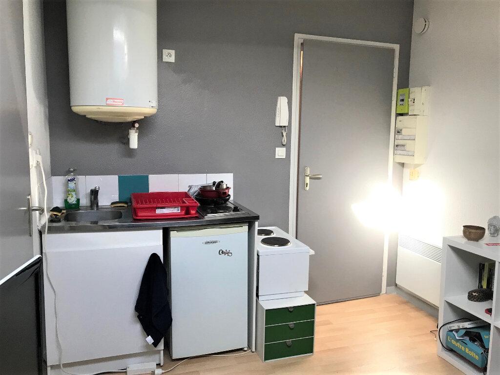 Appartement à louer 1 10m2 à Albi vignette-2