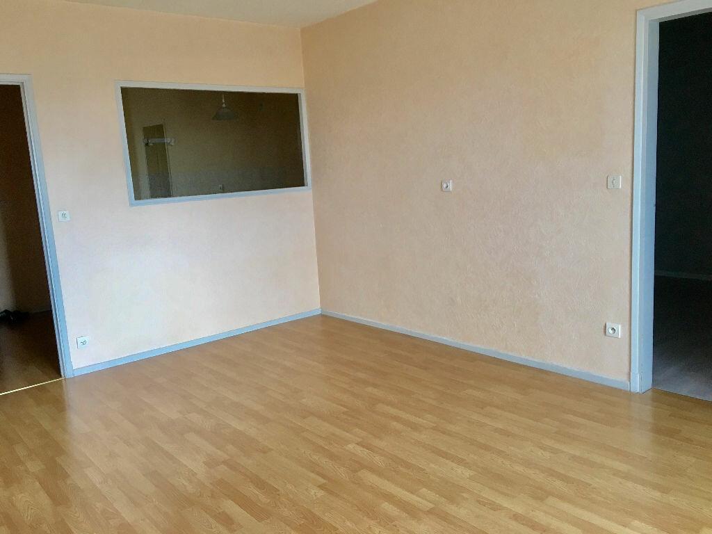 Appartement à louer 2 47m2 à Albi vignette-2