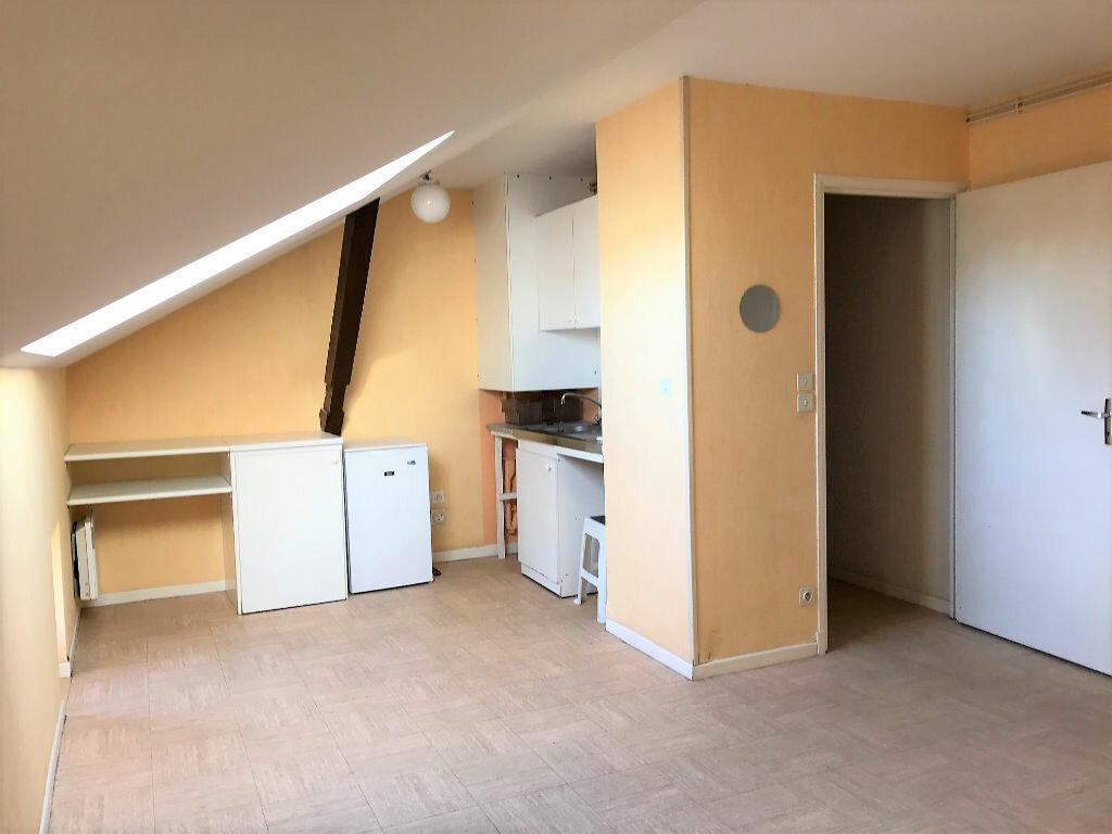 Appartement à louer 3 43m2 à Albi vignette-1