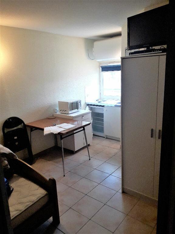 Appartement à louer 1 13m2 à Albi vignette-1