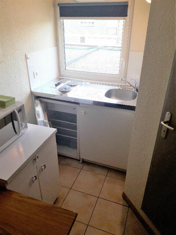 Appartement à louer 1 13m2 à Albi vignette-3