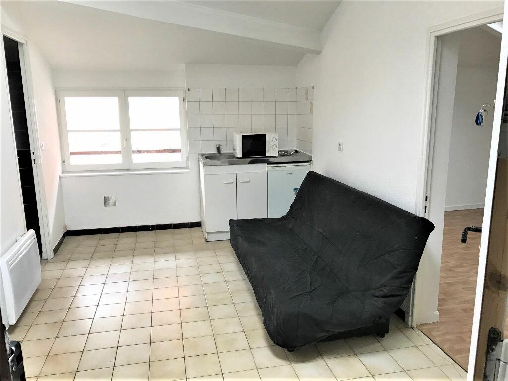 Appartement à louer 2 22m2 à Albi vignette-1