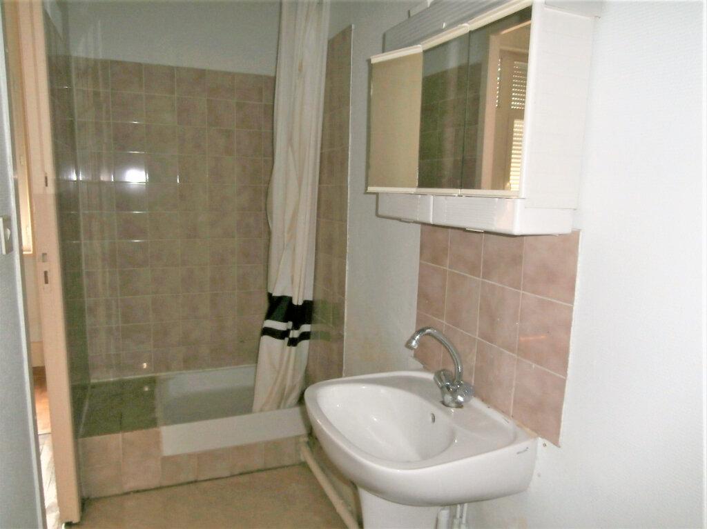 Appartement à louer 1 22m2 à Albi vignette-4