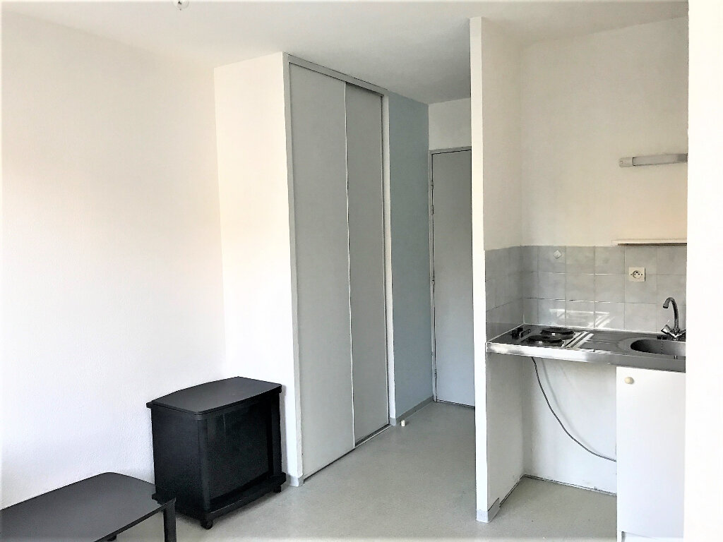 Appartement à louer 1 21m2 à Albi vignette-1