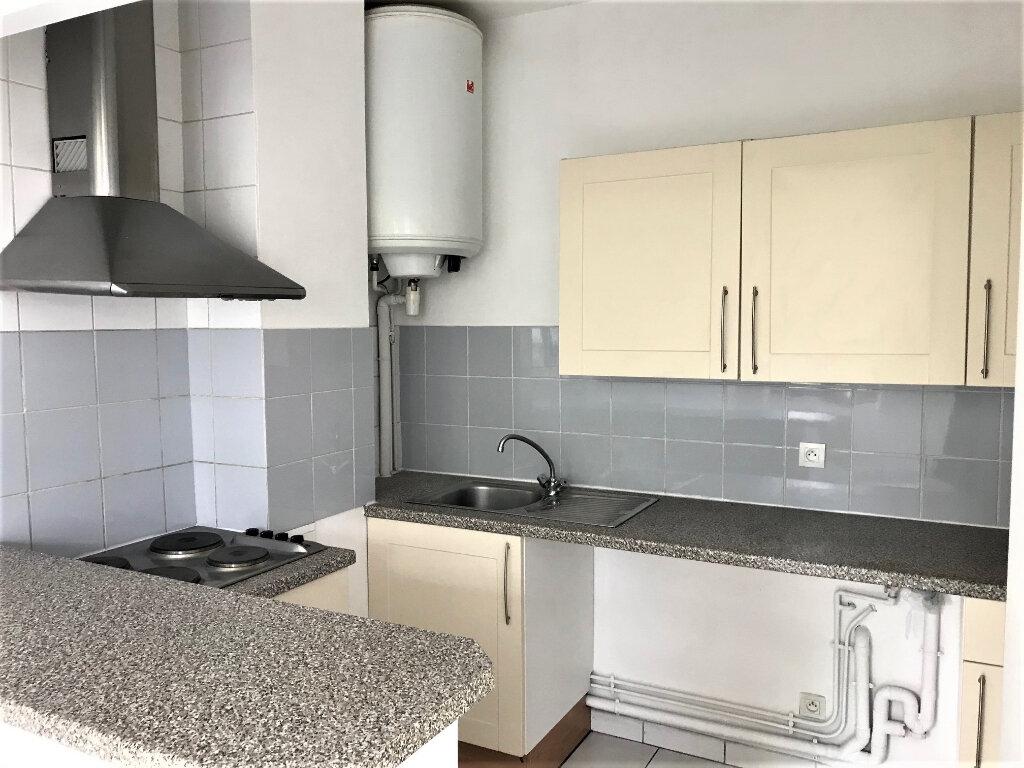 Appartement à louer 2 30m2 à Albi vignette-2