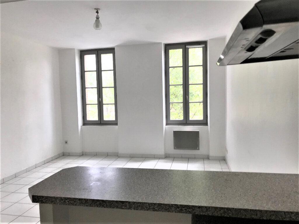 Appartement à louer 2 30m2 à Albi vignette-3