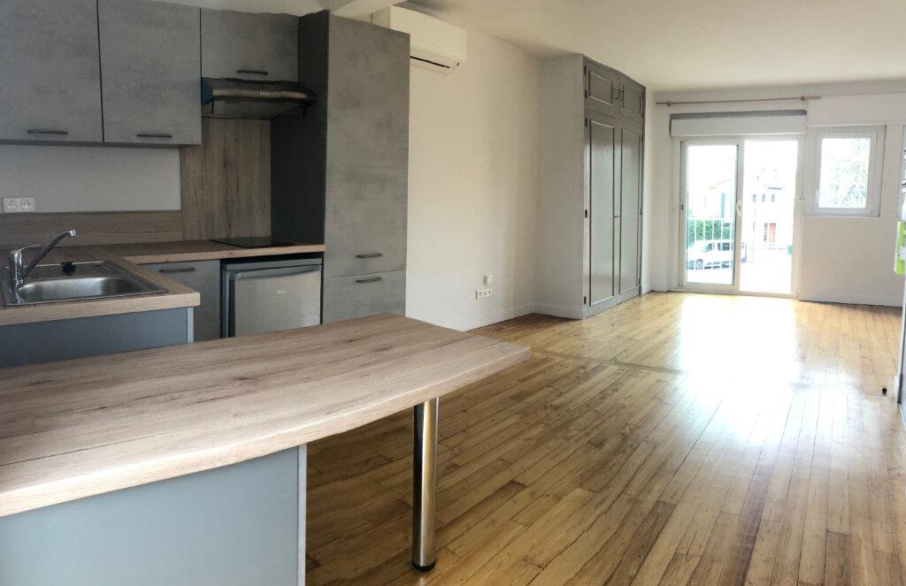 Appartement à louer 1 28m2 à Albi vignette-2