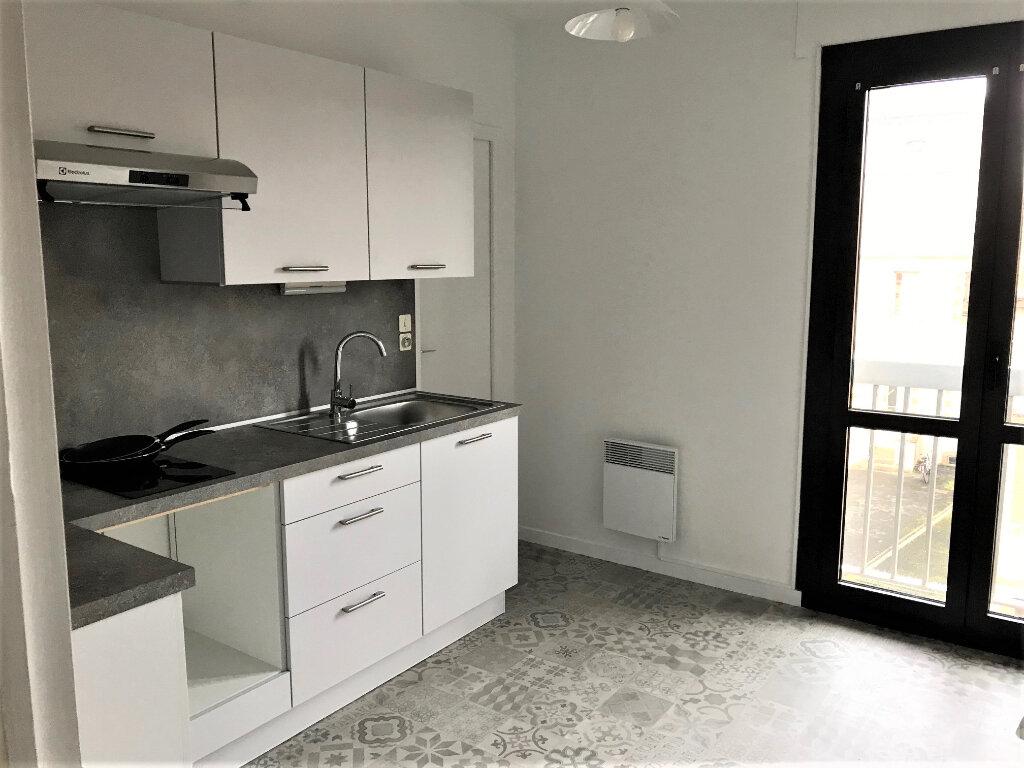 Appartement à louer 3 70m2 à Albi vignette-1