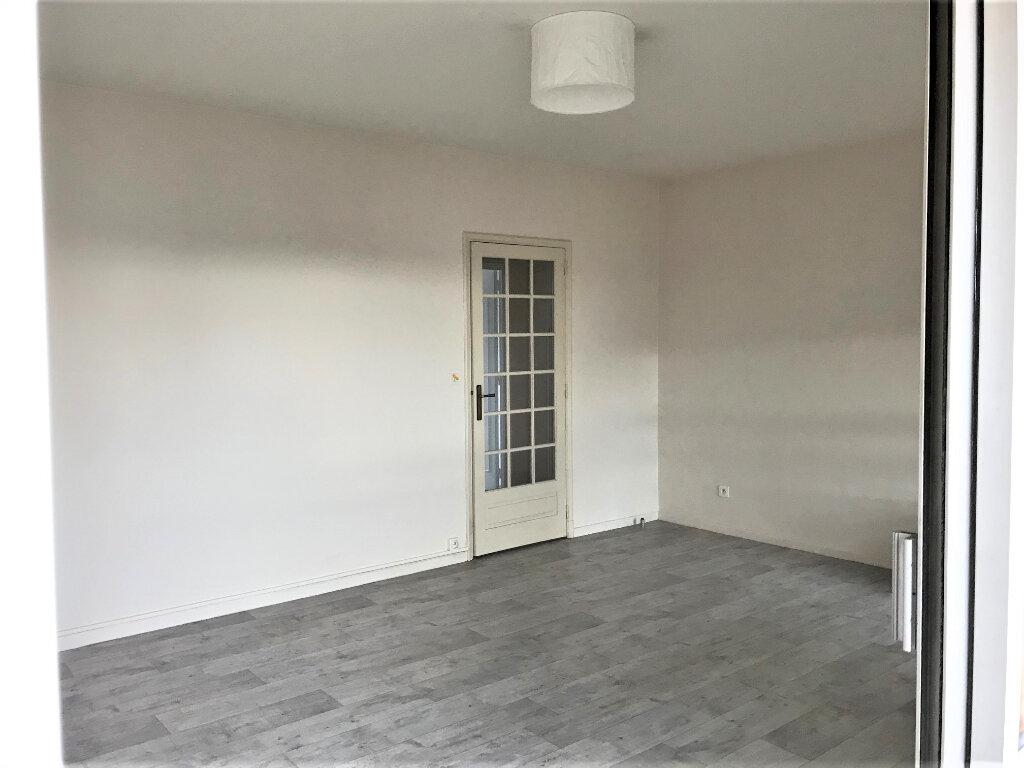 Appartement à louer 3 70m2 à Albi vignette-3