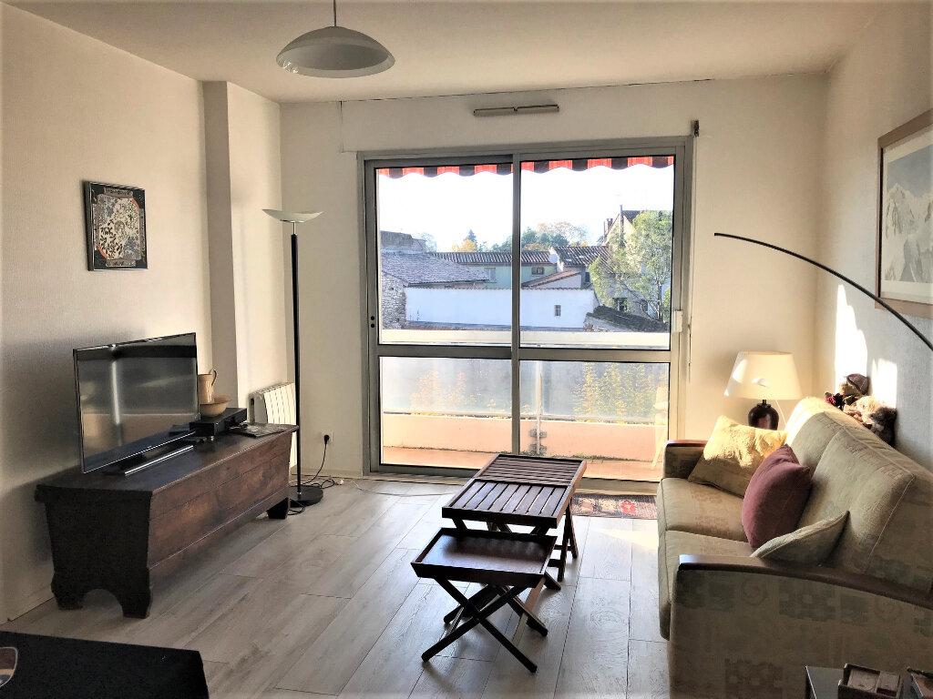 Appartement à louer 2 49m2 à Albi vignette-1