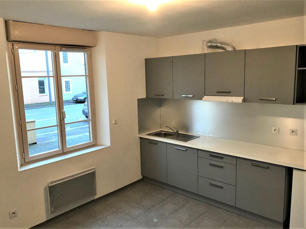 Appartement à louer 2 29m2 à Albi vignette-2