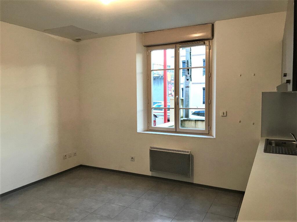 Appartement à louer 2 29m2 à Albi vignette-4