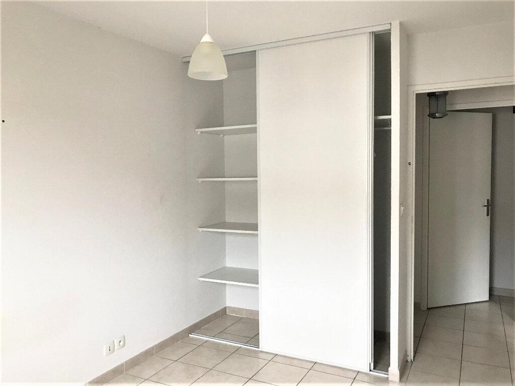Appartement à louer 3 56m2 à Albi vignette-4
