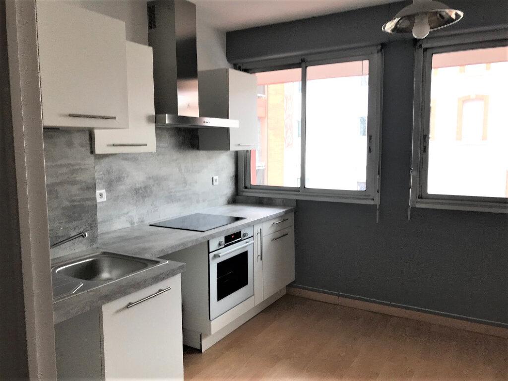 Appartement à louer 3 67m2 à Albi vignette-2