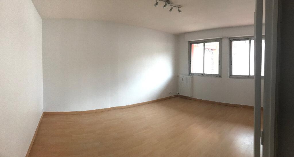 Appartement à louer 3 67m2 à Albi vignette-3
