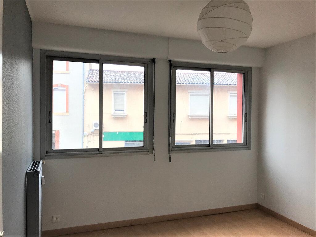 Appartement à louer 3 67m2 à Albi vignette-4