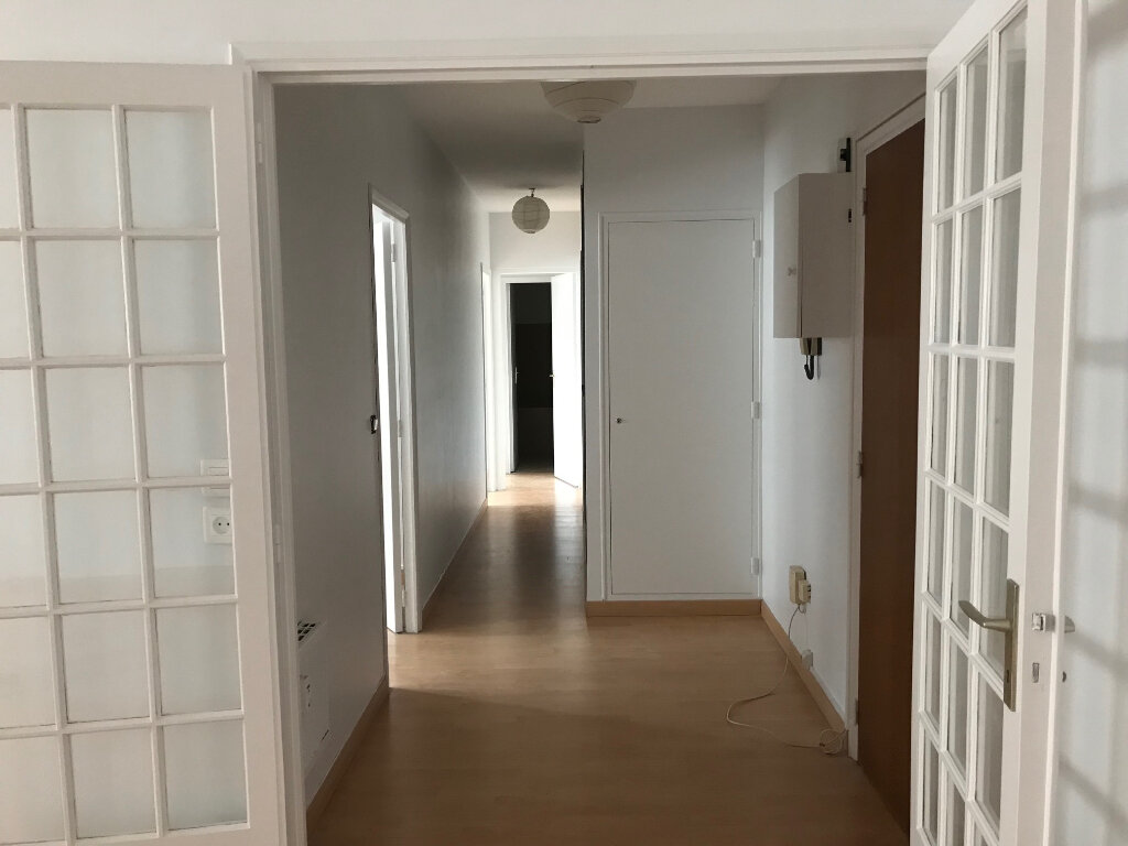 Appartement à louer 3 67m2 à Albi vignette-6
