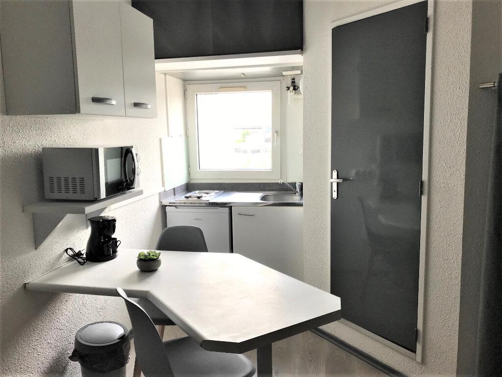 Appartement à louer 1 14m2 à Albi vignette-3