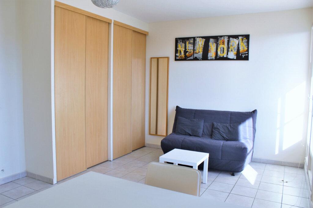 Appartement à louer 1 25m2 à Brest vignette-1