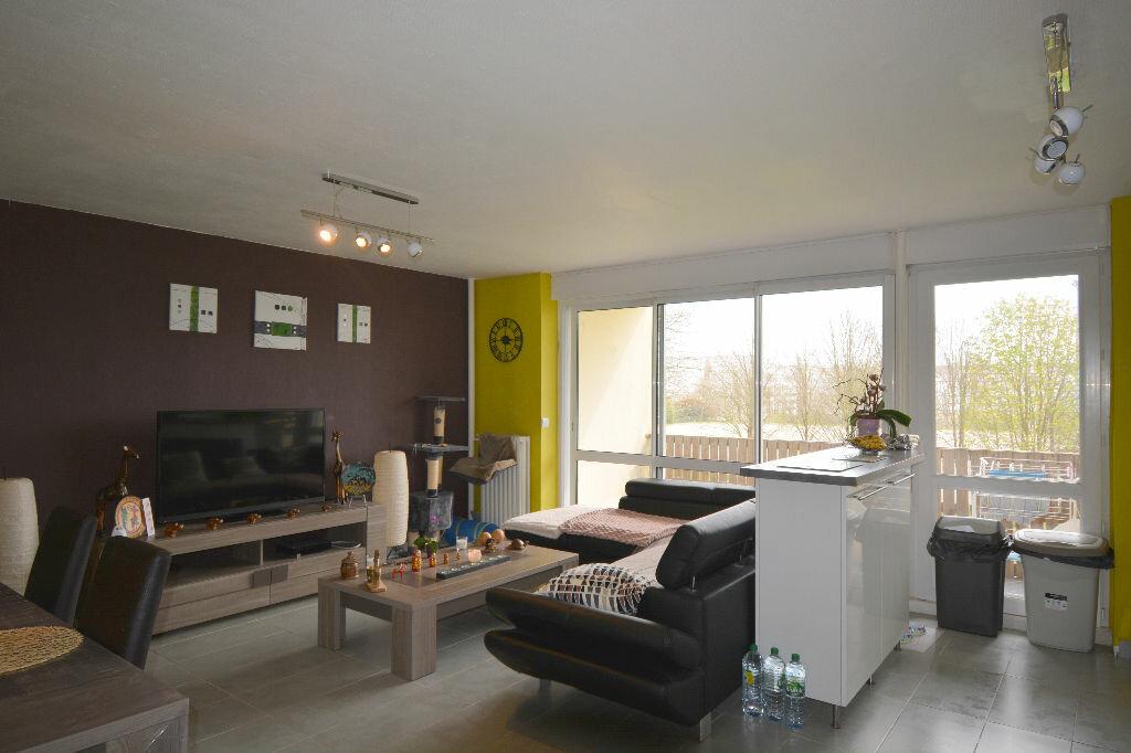 Appartement à louer 5 77.23m2 à Brest vignette-1