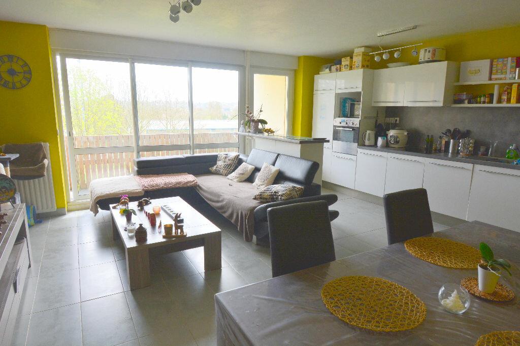 Appartement à louer 5 77.23m2 à Brest vignette-2
