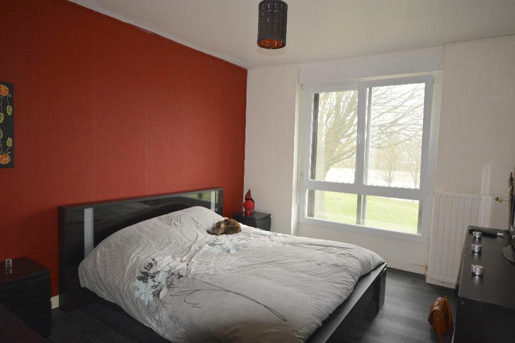 Appartement à louer 5 77.23m2 à Brest vignette-6