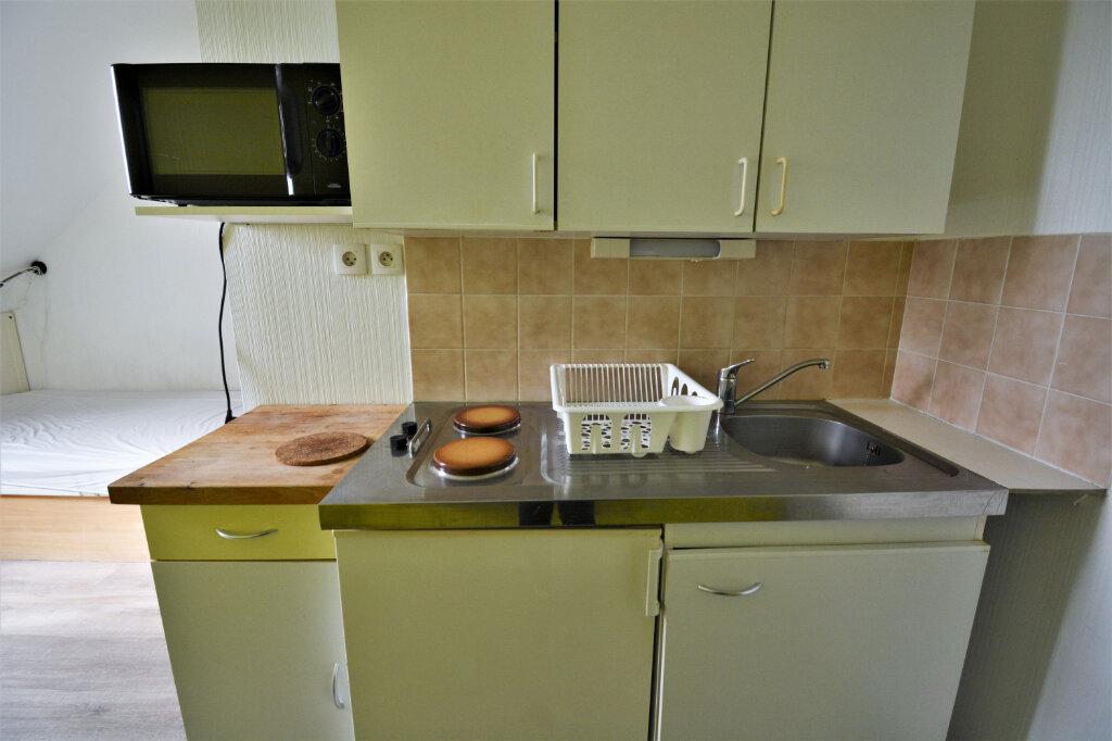Appartement à louer 1 15m2 à Brest vignette-3