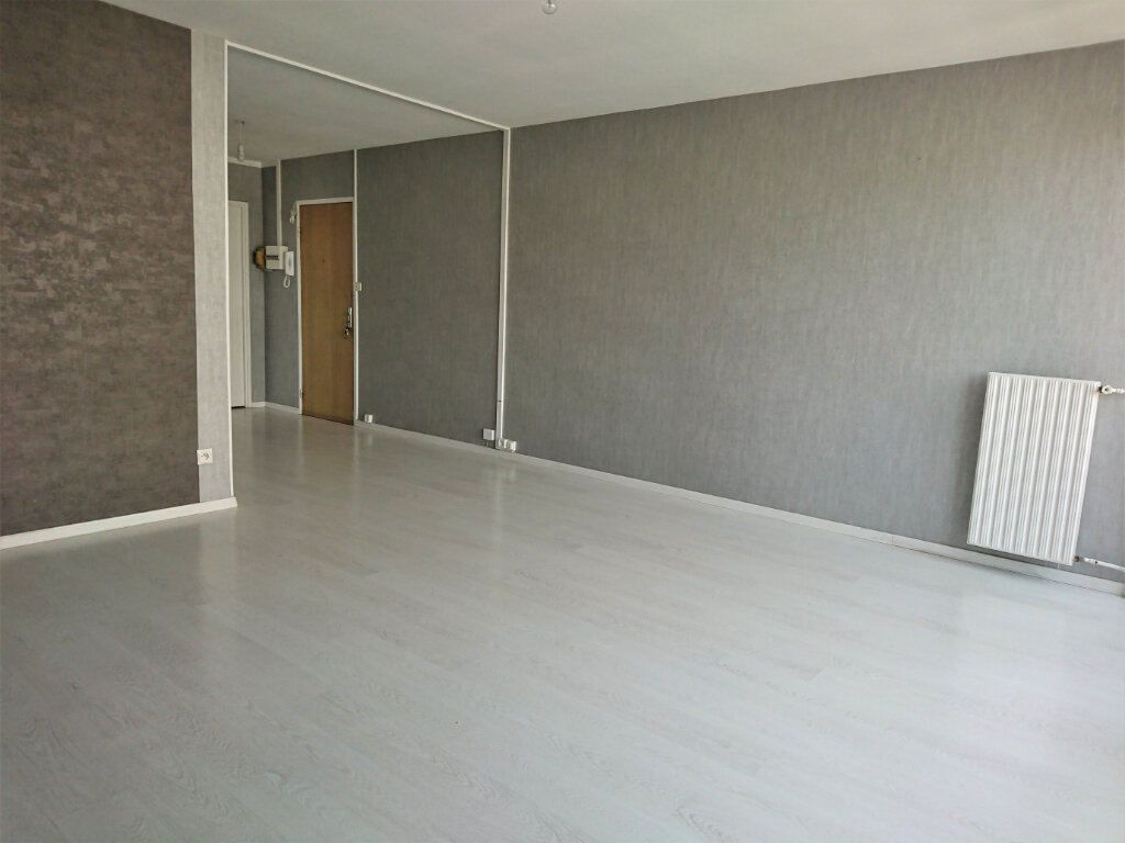 Appartement à louer 5 77.5m2 à Brest vignette-4