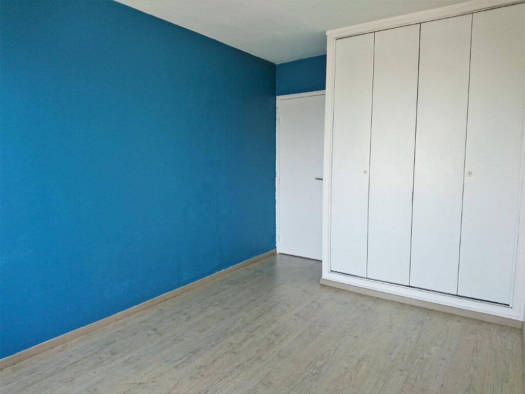 Appartement à louer 5 77.5m2 à Brest vignette-8