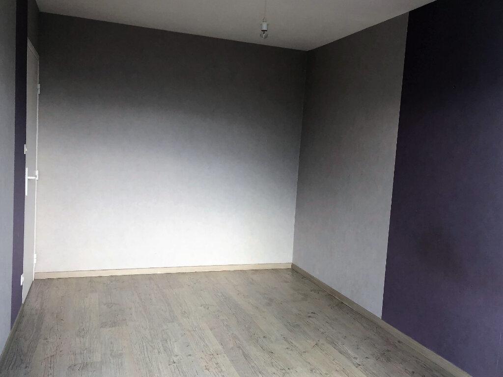 Appartement à louer 5 77.5m2 à Brest vignette-9