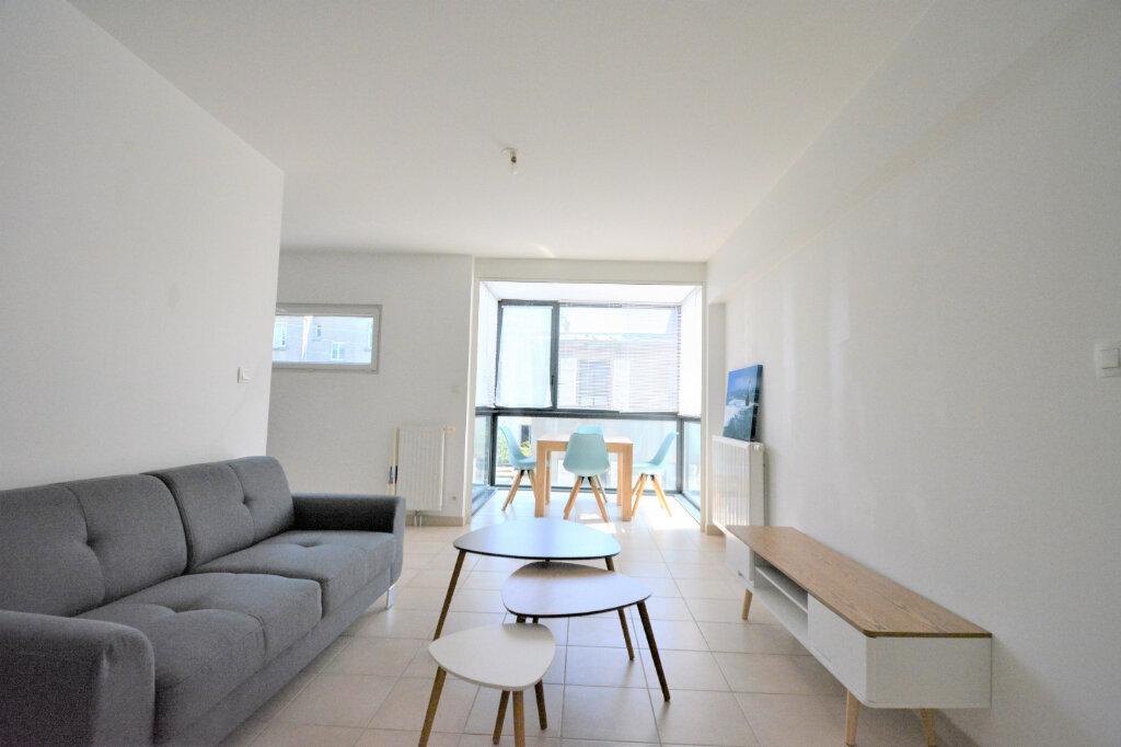 Appartement à louer 3 60.15m2 à Brest vignette-1