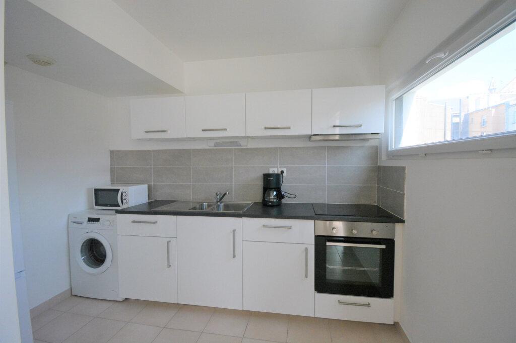 Appartement à louer 3 60.15m2 à Brest vignette-3