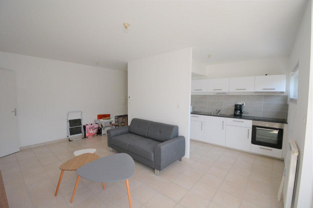 Appartement à louer 3 60.15m2 à Brest vignette-4