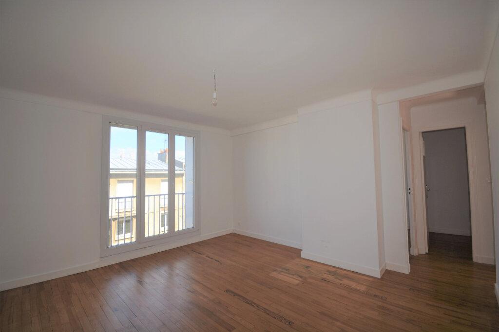 Appartement à louer 4 64.41m2 à Brest vignette-2