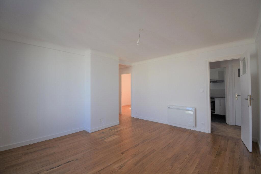 Appartement à louer 4 64.41m2 à Brest vignette-3