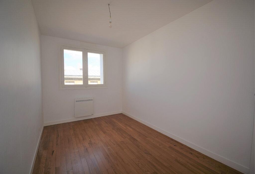 Appartement à louer 4 64.41m2 à Brest vignette-5