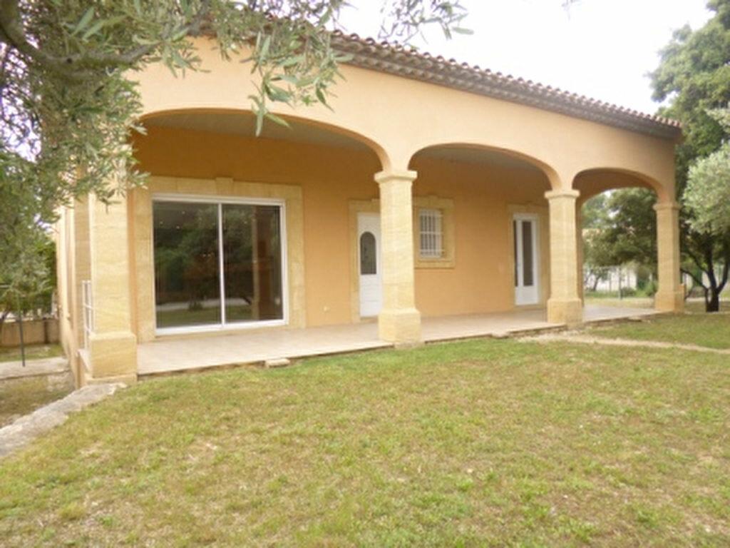 Maison à louer 5 131.84m2 à Lançon-Provence vignette-1