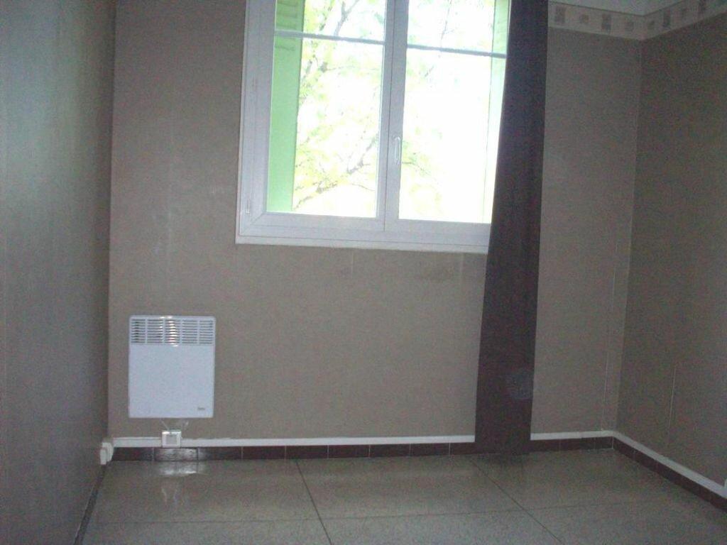 Appartement à louer 2 37m2 à Salon-de-Provence vignette-7