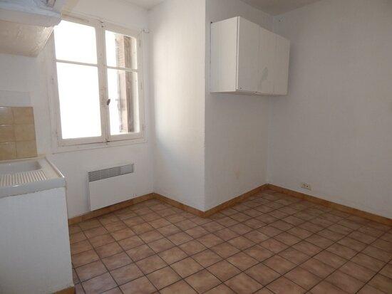 Appartement à louer 2 38m2 à La Fare-les-Oliviers vignette-1