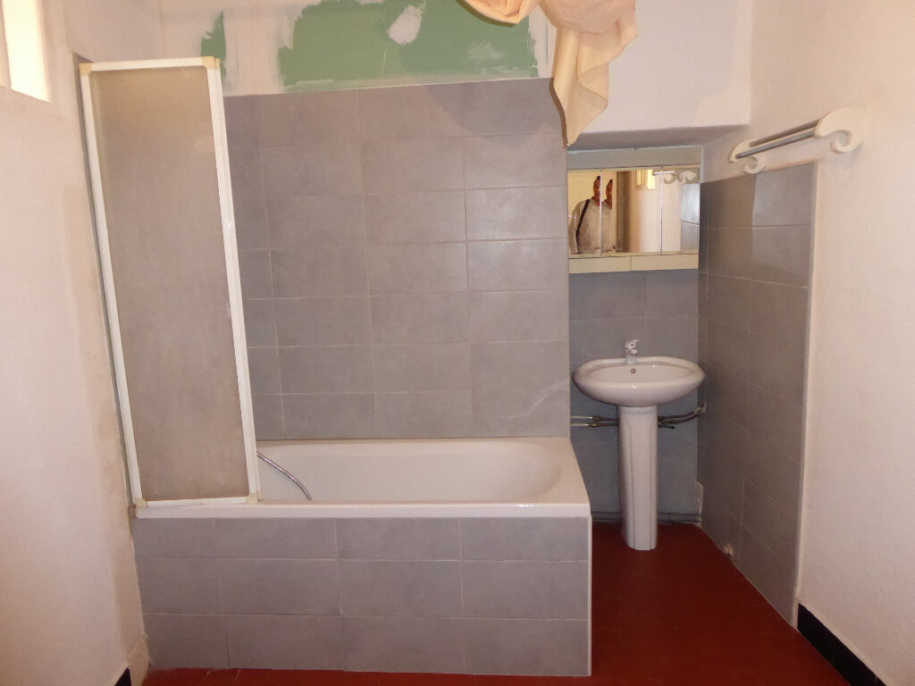 Appartement à louer 2 38m2 à La Fare-les-Oliviers vignette-6