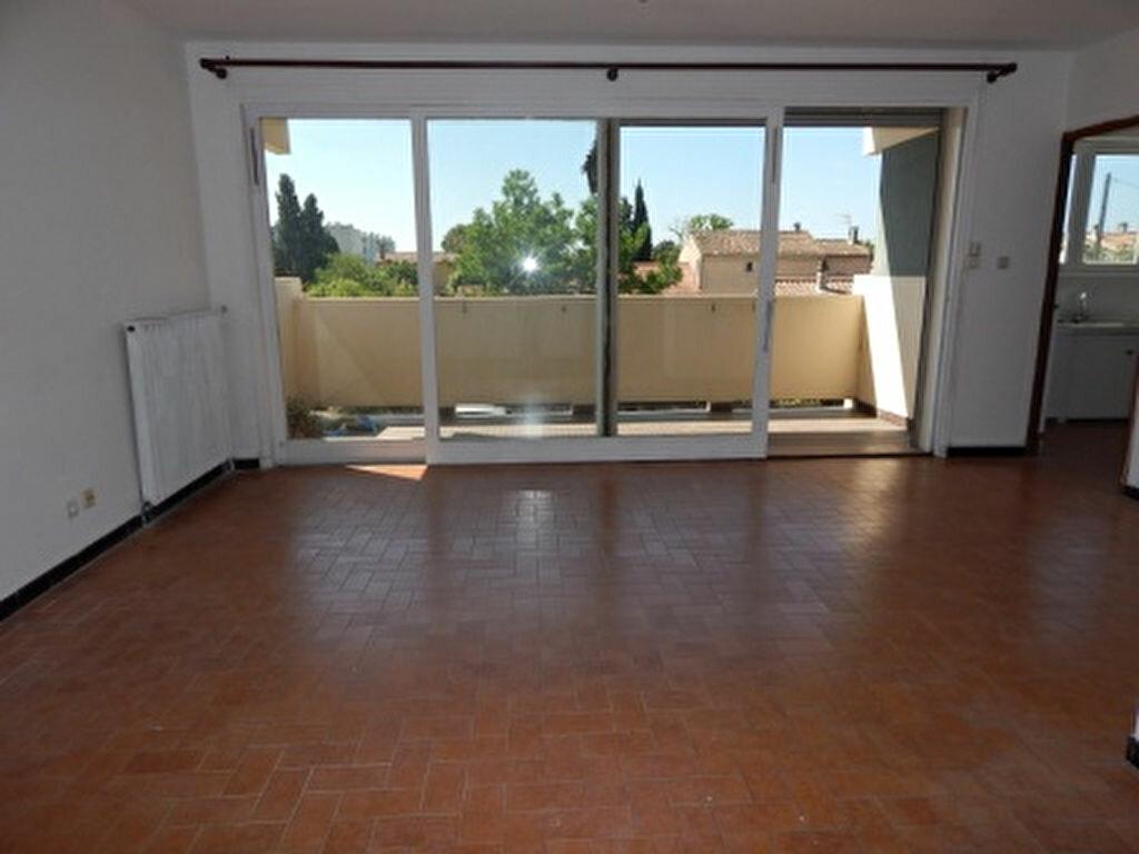 Appartement à louer 4 93.25m2 à Salon-de-Provence vignette-1