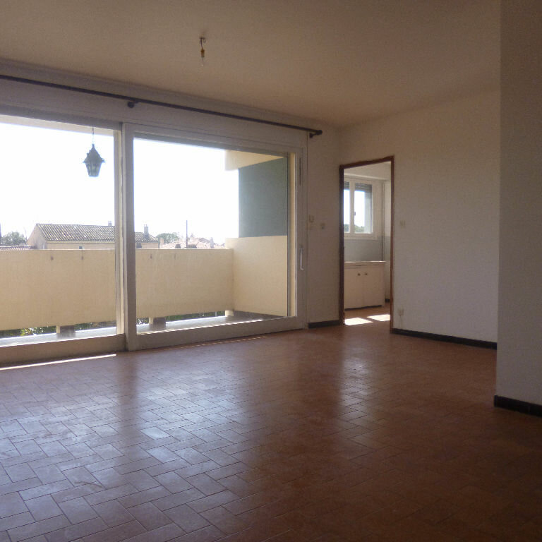 Appartement à louer 4 93.25m2 à Salon-de-Provence vignette-3