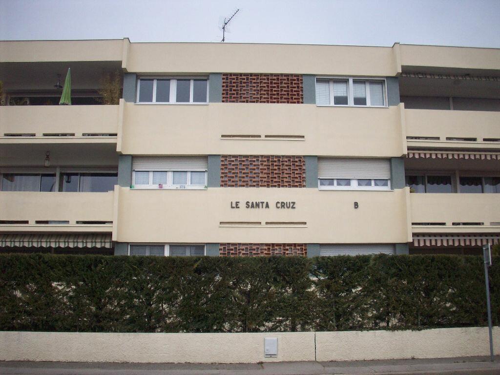 Appartement à louer 4 93.25m2 à Salon-de-Provence vignette-5