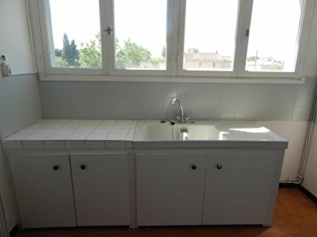 Appartement à louer 4 93.25m2 à Salon-de-Provence vignette-8