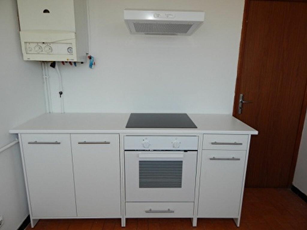 Appartement à louer 4 93.25m2 à Salon-de-Provence vignette-9