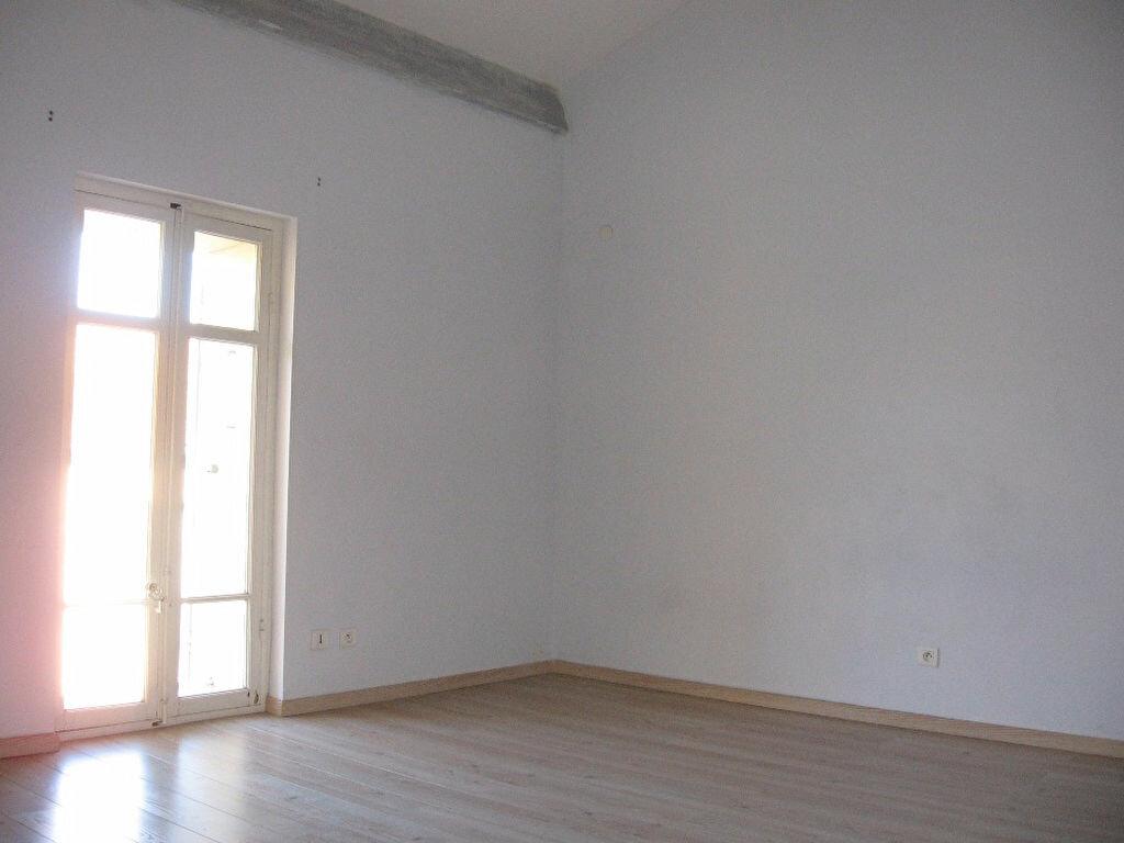 Maison à louer 3 75.47m2 à Grans vignette-6