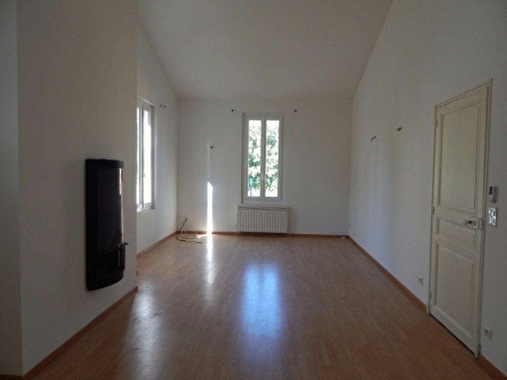 Appartement à louer 3 92.92m2 à Salon-de-Provence vignette-3